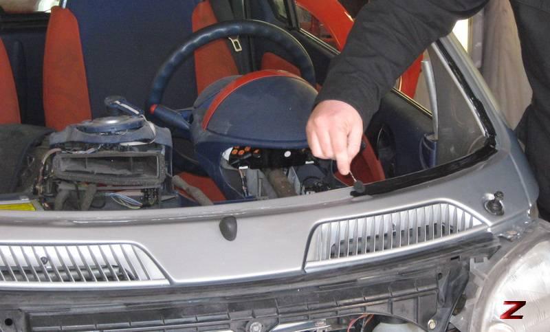 Вклеить стекло в автомобиль